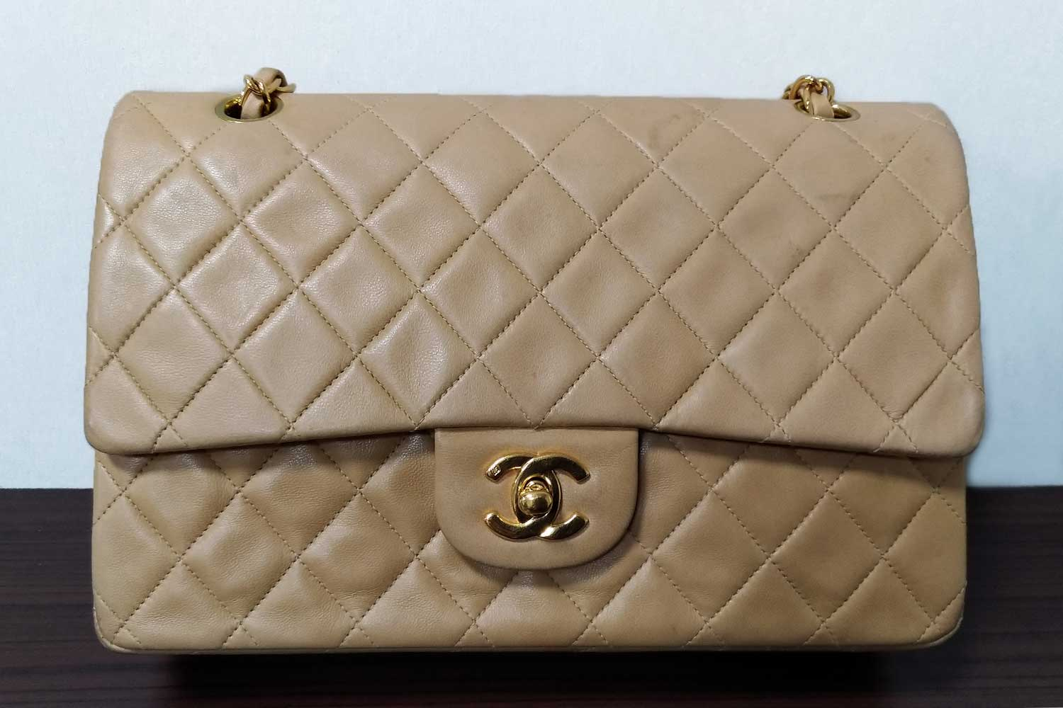 https://leather-pro.com/wp-content/uploads/2018/05/news_chanel_before_1500.jpg