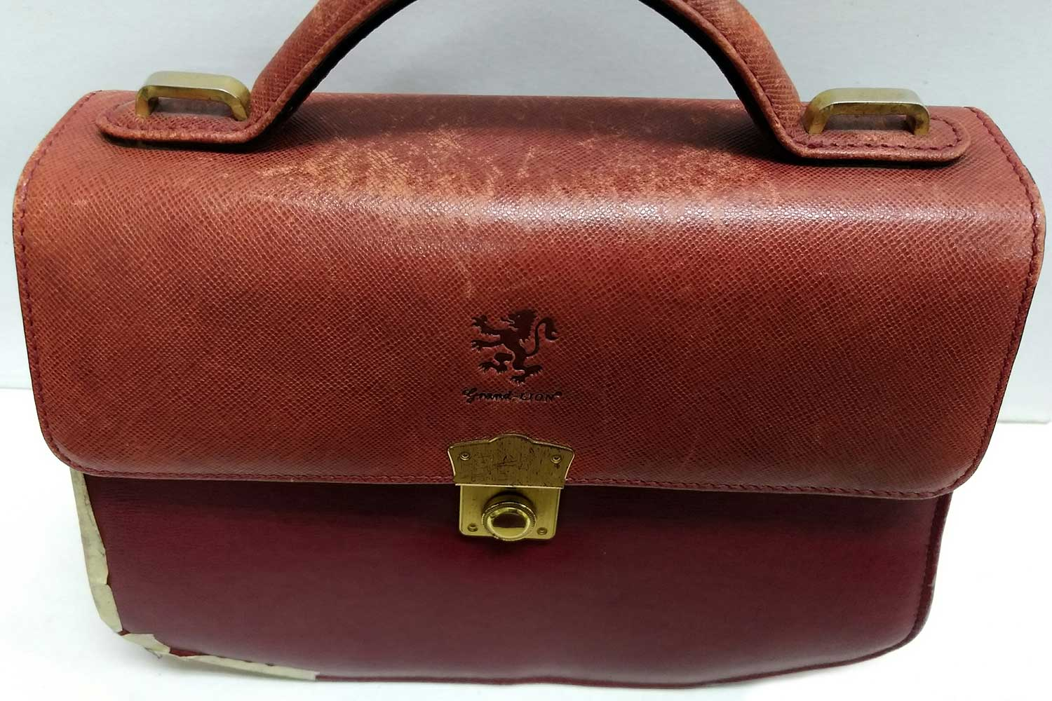 https://leather-pro.com/wp-content/uploads/2018/05/news_red_bag_before_1500.jpg